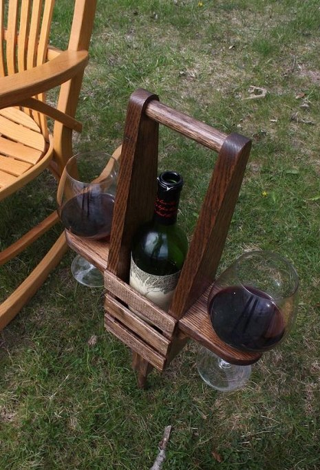 DIY Outdoor Wine Caddy