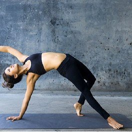 7 Yoga Mistakes That Increase Your Risk of Injury