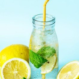 Detox water au citron